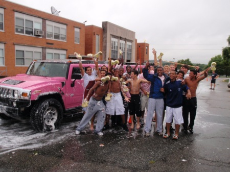 Limos In New Jersey Helps Seniors At West Orange NJ High School - Pink hummer limo long island
